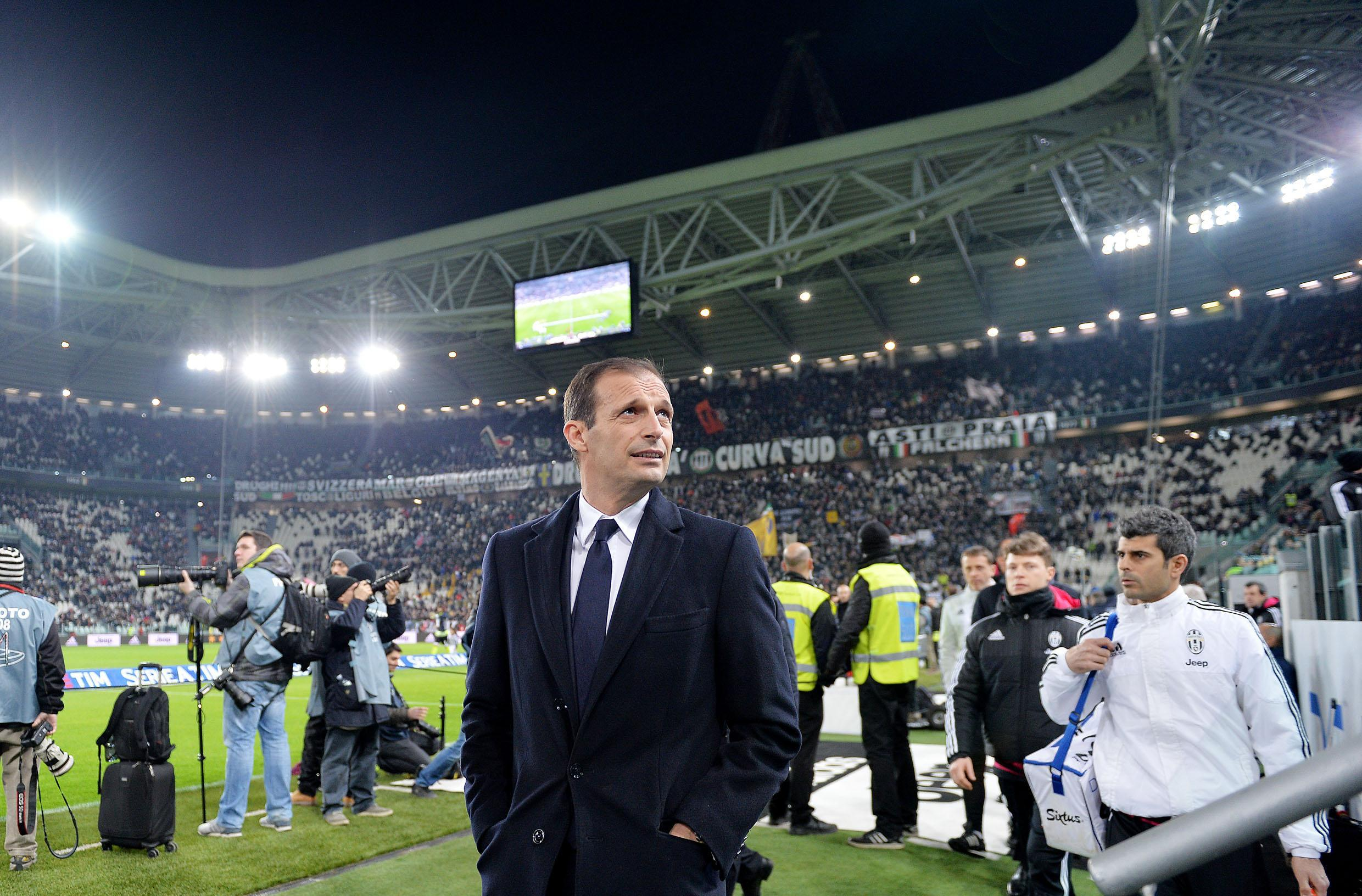 Juventus' coach Massimiliano Allegri looks on prior the Italian Serie A soccer match Juventus FC vs Genoa CFC at Juventus stadium in Turin, Italy, 03 February 2016. ANSA/ALESSANDRO DI MARCO