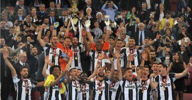 Juventus-Award-Ceremony-ItalianCup